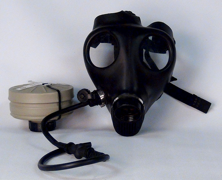 Israeli Adult Gas Mask w/tube